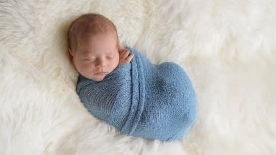 should you swaddle baby for naps